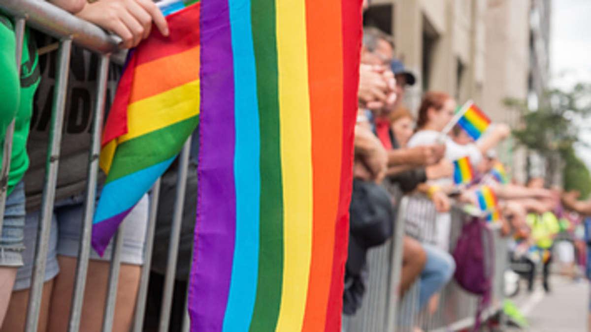 Bundestag stimmt mit Ja: Homosexuelle Paare dürfen bald