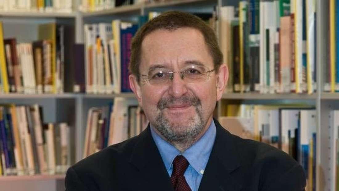 """Gerhard Vowe ist Professor für Kommunikations- und Medienwissenschaft an der Heinrich-Heine-Universität Düsseldorf und Sprecher der DFG-Forschergruppe """"Politische Kommunikation in der Online-Welt""""."""