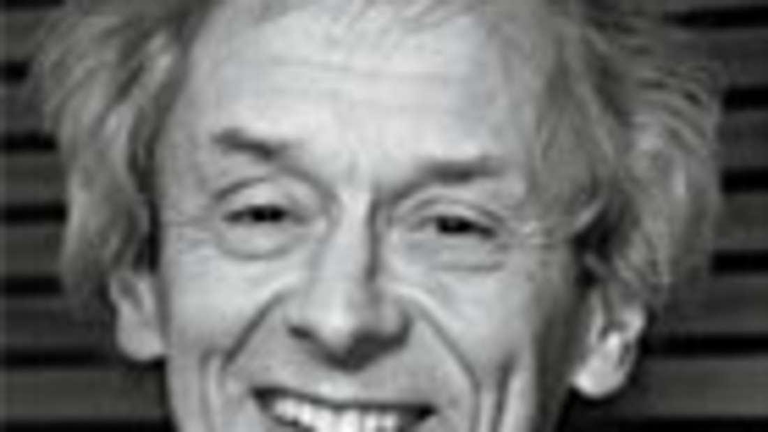 Gerd Bosbach ist Mathematiker und Professor für Statistik und Empirische Wirtschafts- und Sozialforschung an der Hochschule Koblenz. Zuvor war er wissenschaftlicher Mitarbeiter des Statistischen Bundesamtes.