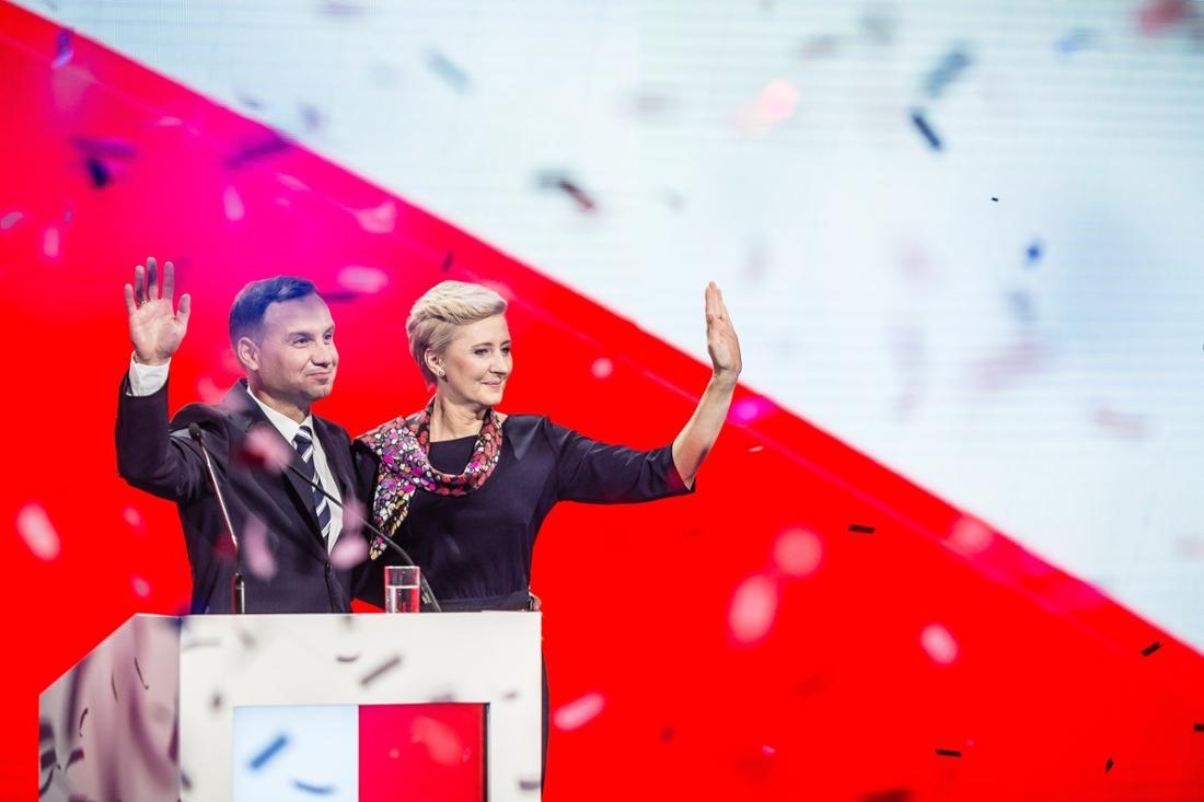 Andrzej Duda von der rechten PiS-Partei – hier nach seinem Wahlsieg im Jahr 2015 – ist Polens Präsident.
