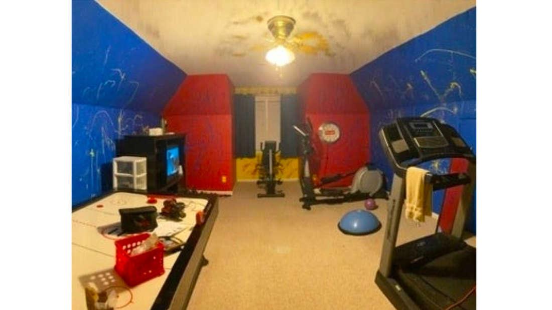 Ein Extrazimmer, was zu einem Fitnesscenter umfunktioniert wurde