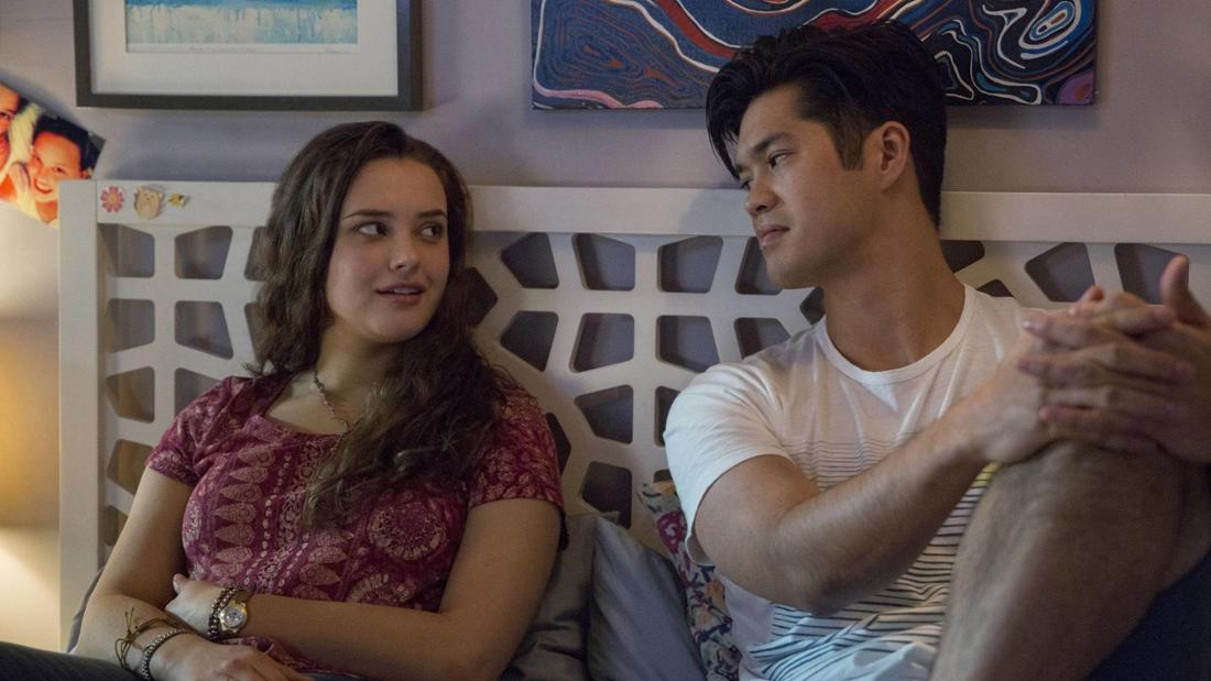 Hannah and Zach dating in Season 2