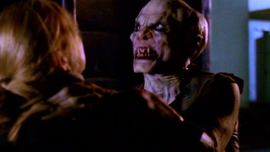 A Turok-Han nearly strangles Buffy to death