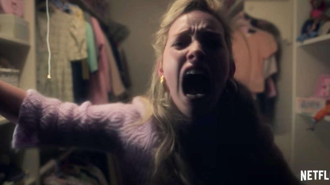Dani screaming inside a closet
