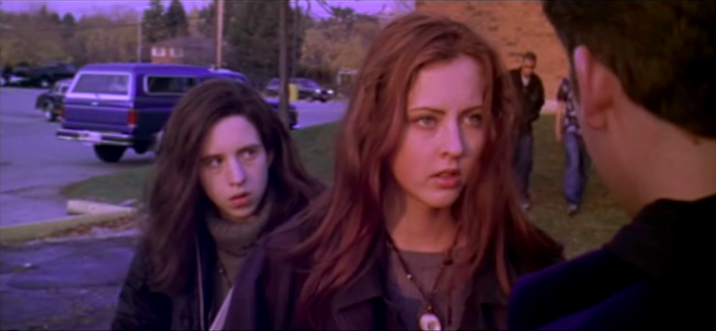 Emily Perkins and Katharine Isabelle in Ginger Snaps