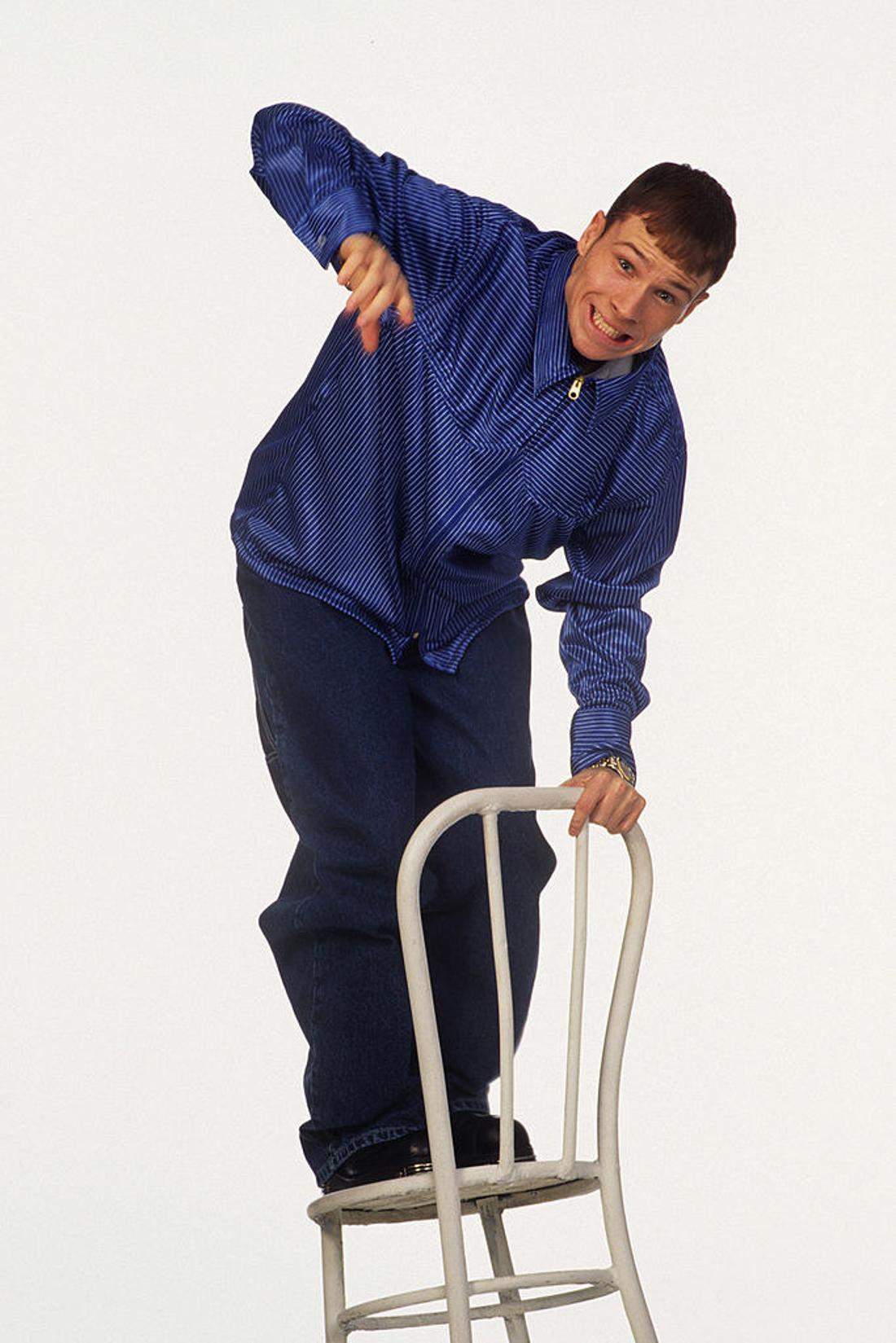 Brian Litrell falling off a chair
