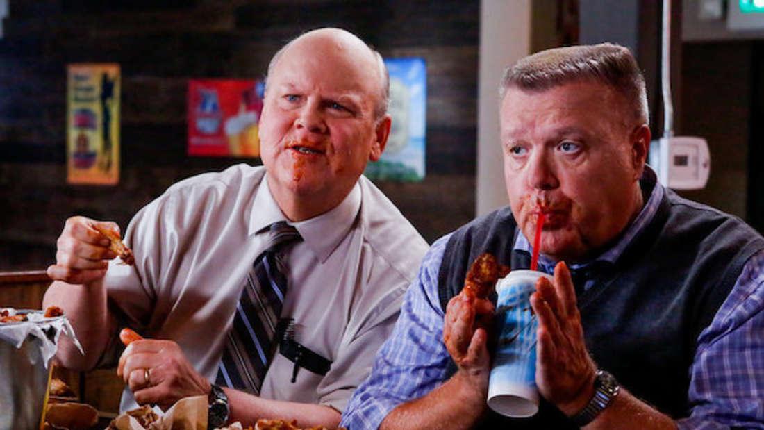 Hitchcock und Sully aus Brooklyn Nine-Nine
