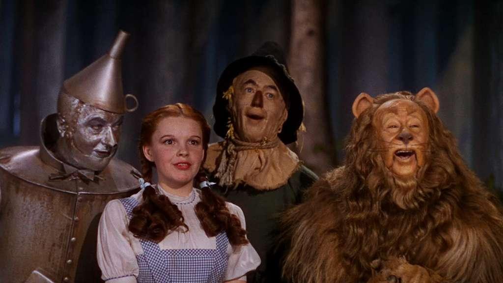 Dorothy, der feige Löwe, die Vogelscheuche und der Zinnmann.