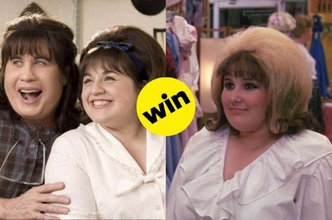 """John Travolta in der Rolle der Edna Turnblad, zusammen mit ihrer Onscreen Tochter Tracy Turnblad im Film """"Hairspray"""" von 2007 im Vergleich zu Tracy Turnblad aus dem Film von 1988."""