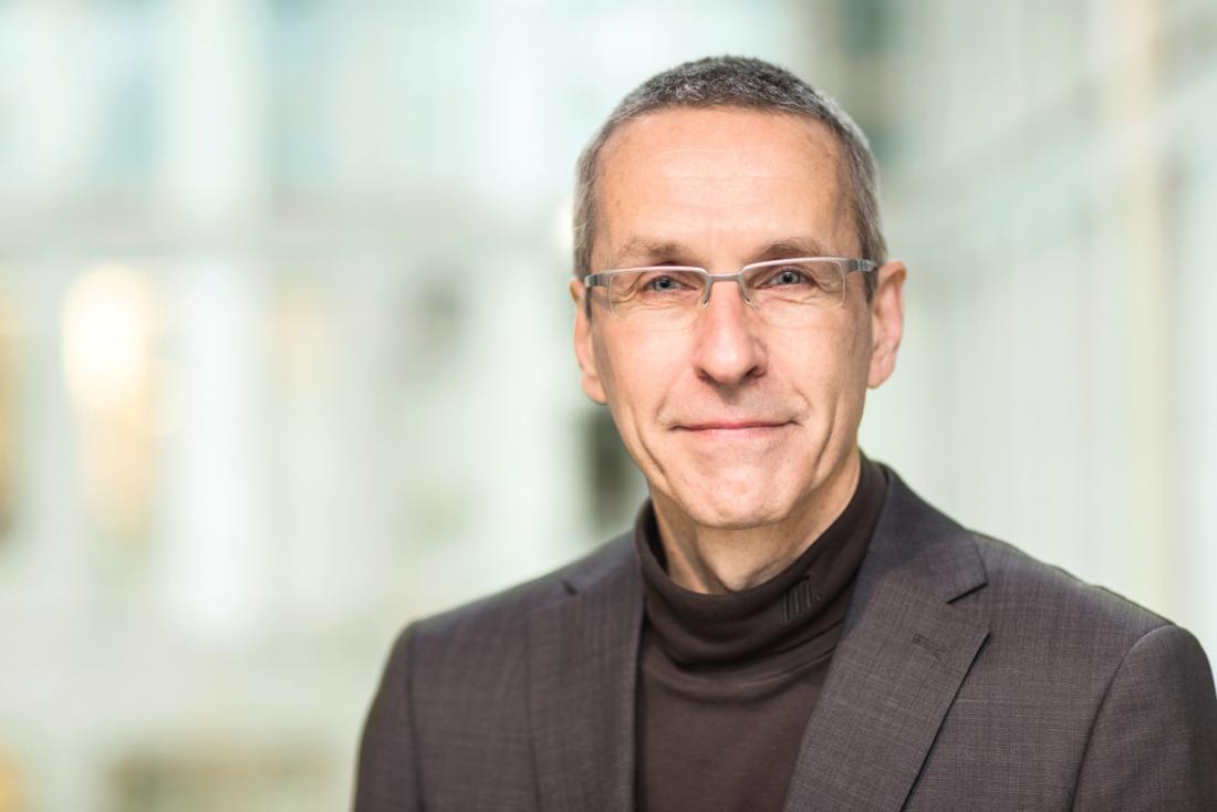 Wenn wir so eine gute Grundlagenforschung haben, fragt Ulrich Dirnagl, warum kommt dann bei den Patien:innen so wenig davon an?