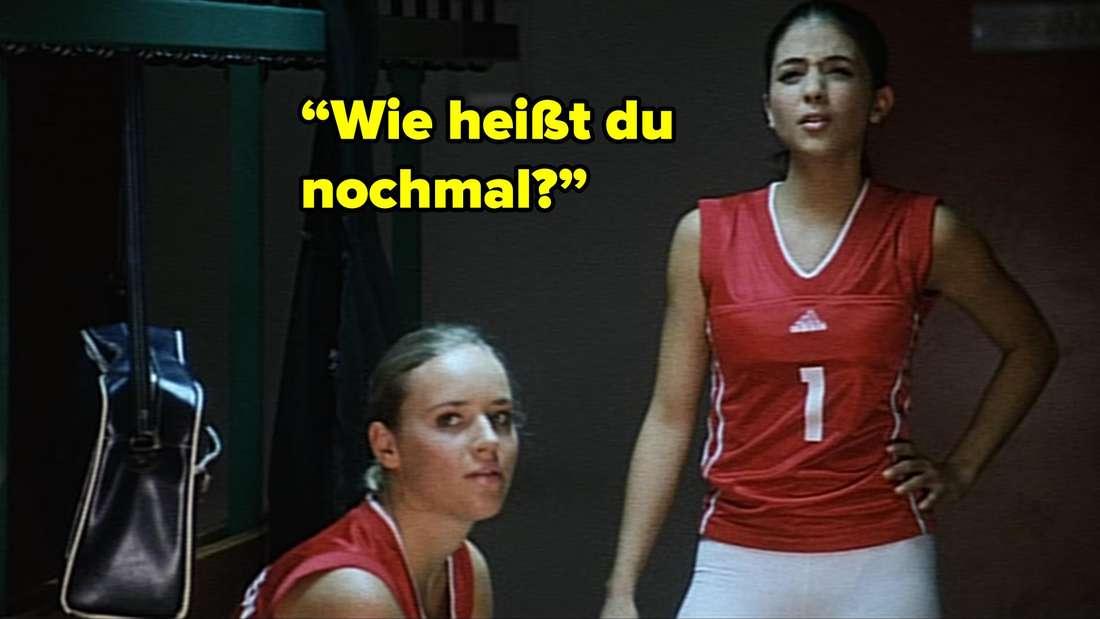 """Zwei Mädchen aus der gegnerischen Mannschaft fragen Inken: """"Wie heißt du nochmal?"""""""