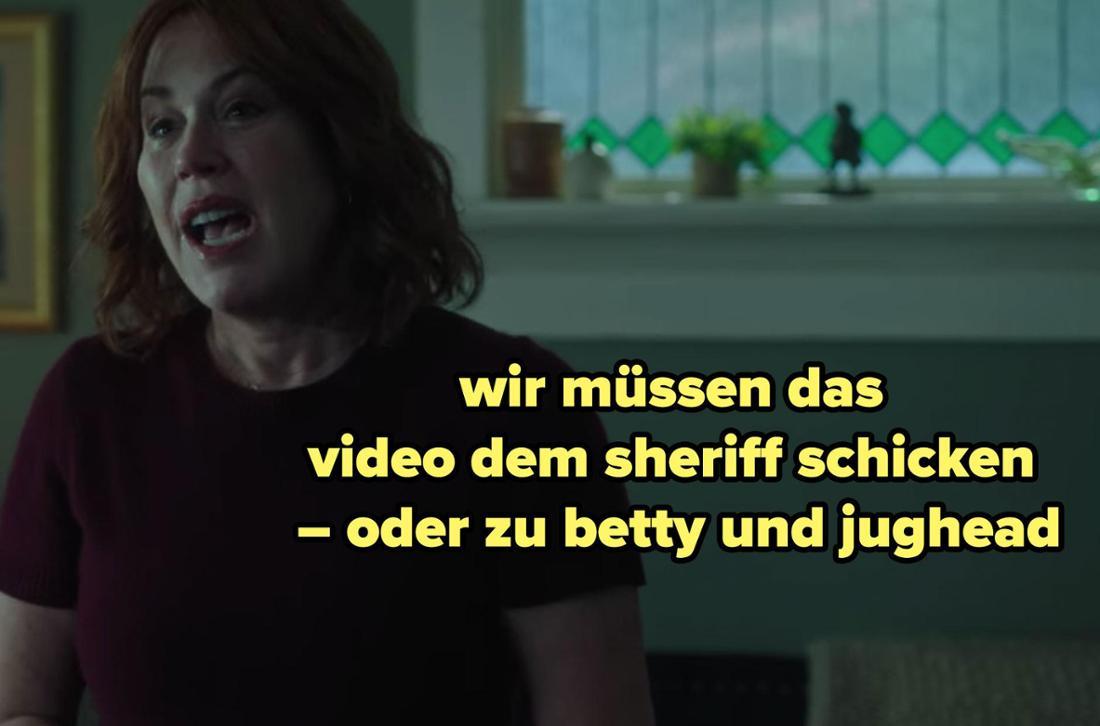 Mary Andrews fleht ihren Sohn an, das Video zu melden.