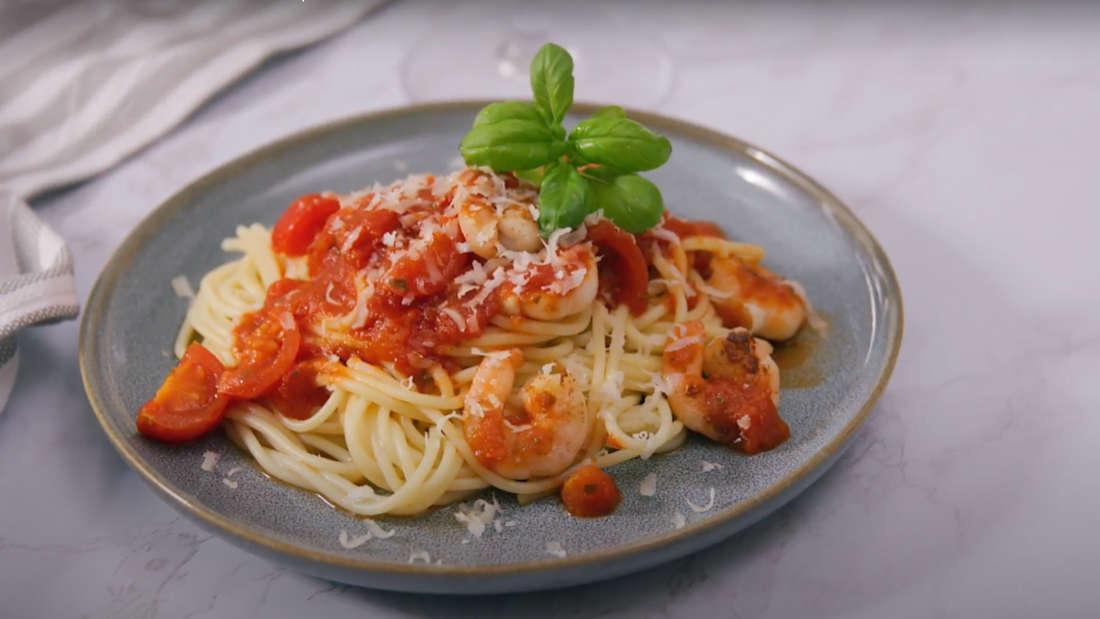 Spaghetti mit fruchtiger Garnelensauce