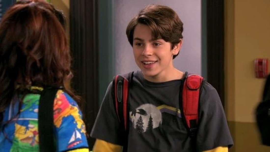 """Max Russo spricht mit seiner Schwester in """"Die Zauberer vom Waverly Place"""""""
