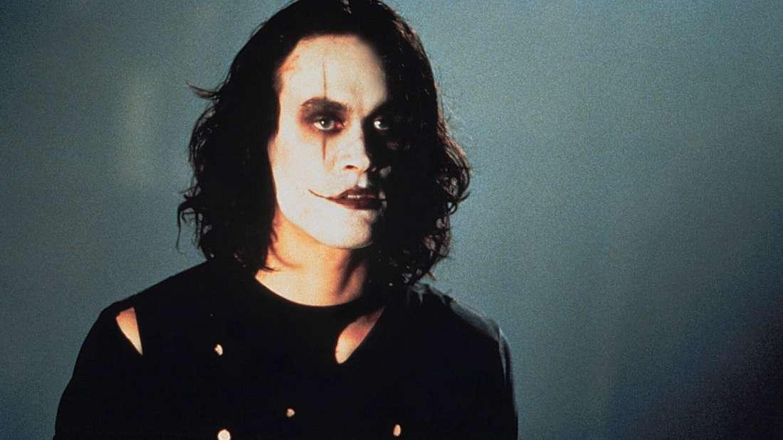 """Brandon Lee mit weißem Make-up in """"The Crow"""" (1994)"""