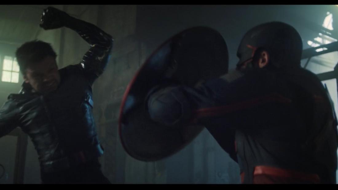 """Bucky Barnes und Captain America kämpfen in der neuen Folge von """"The Falcon and The Winter Soldier""""."""