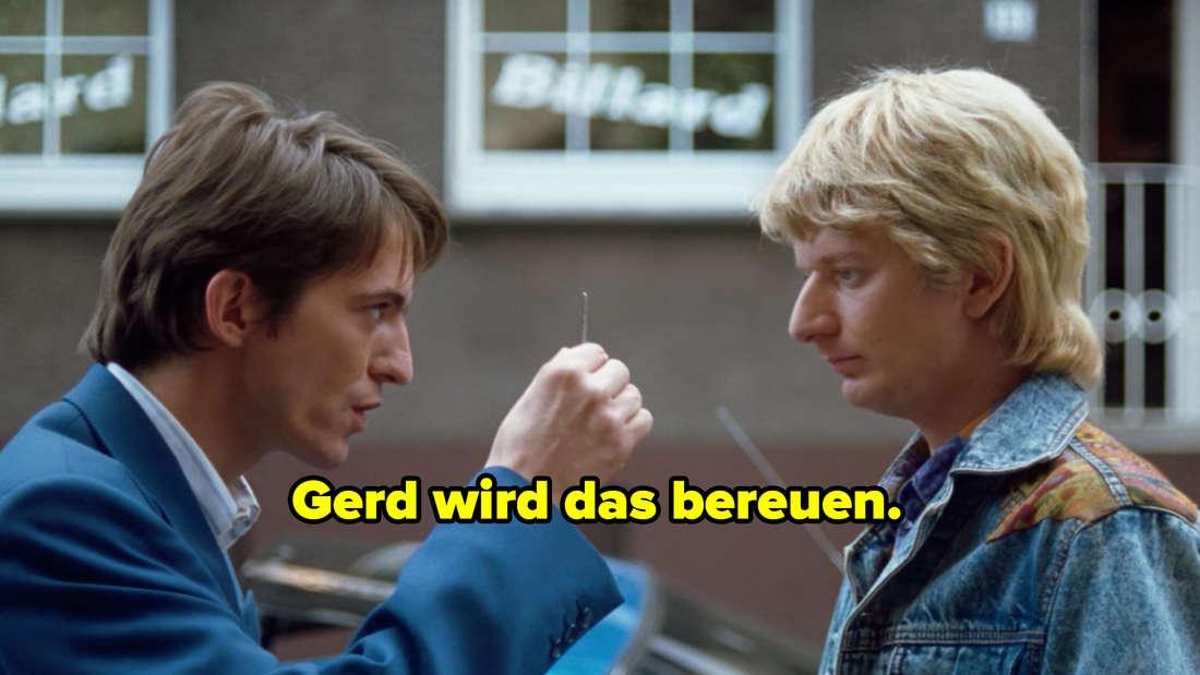Gerd gibt Klausi seinen Schlüssel. Text: Gerd wird das bereuen.