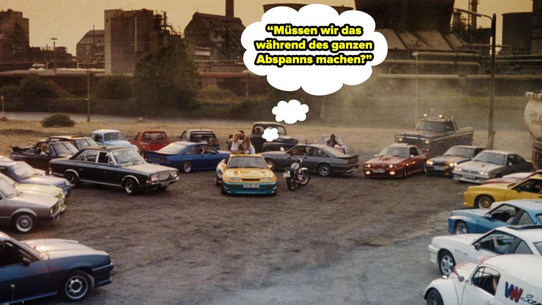 Bertie und Uschi küssen sich und alle Mantas fahren vom Parkplatz ab.