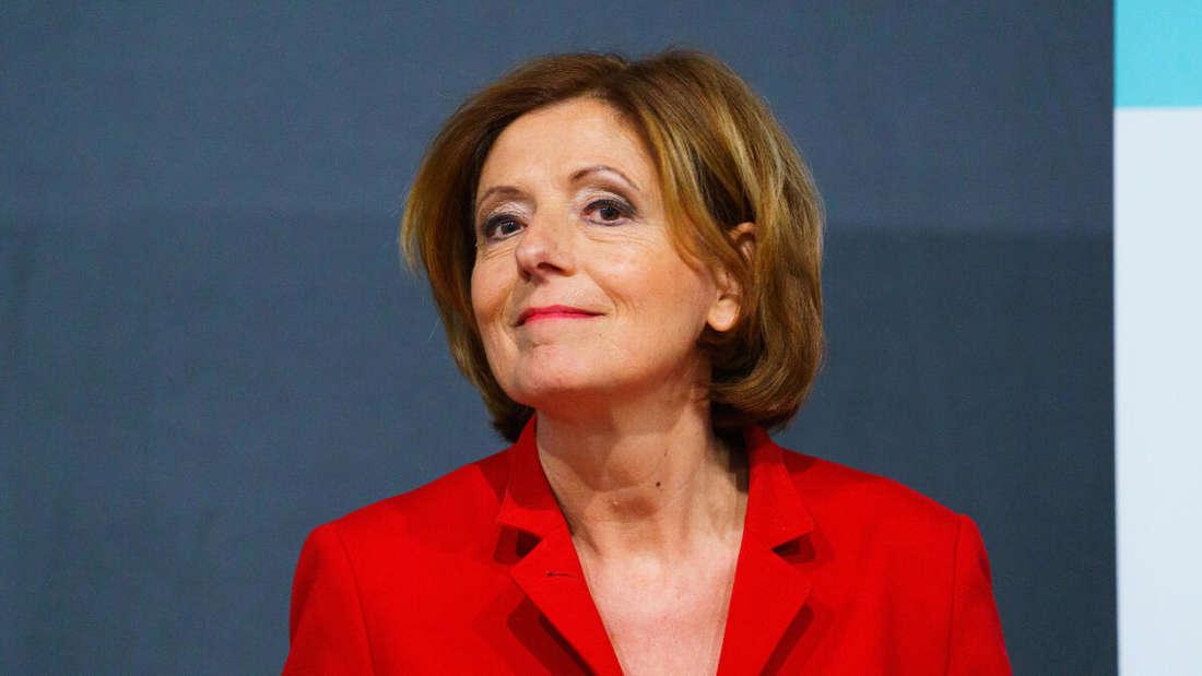 Malu Dreyer (SPD), Ministerpräsidentin in Rheinland-Pfalz, nimmt an einer Pressekonferenz teil.