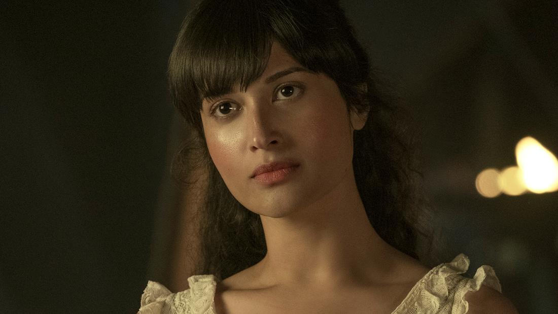 Sujaya Dasgupta als Zoya Nazyalensky