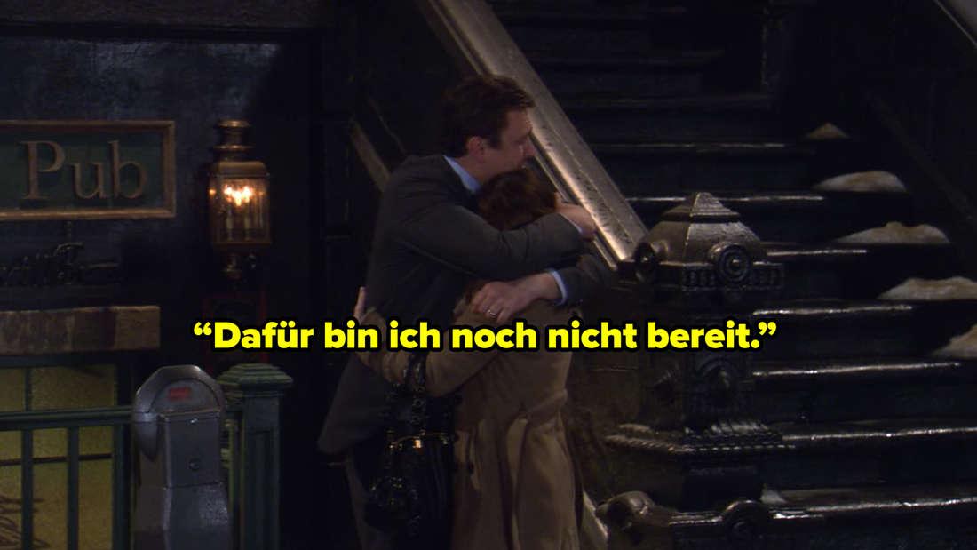 Marshall umarmt Lily in How I Met Your Mother und sagt: Dafür bin ich noch nicht bereit