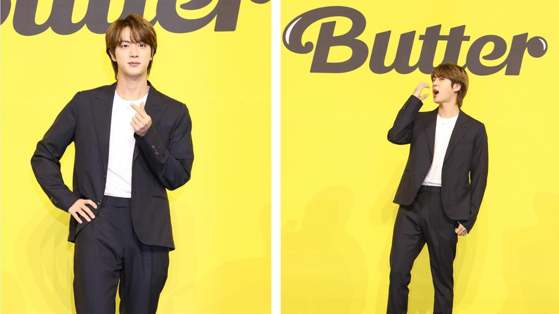 """Jin bei der Pressekonferenz für BTS neue Single """"Butter""""."""