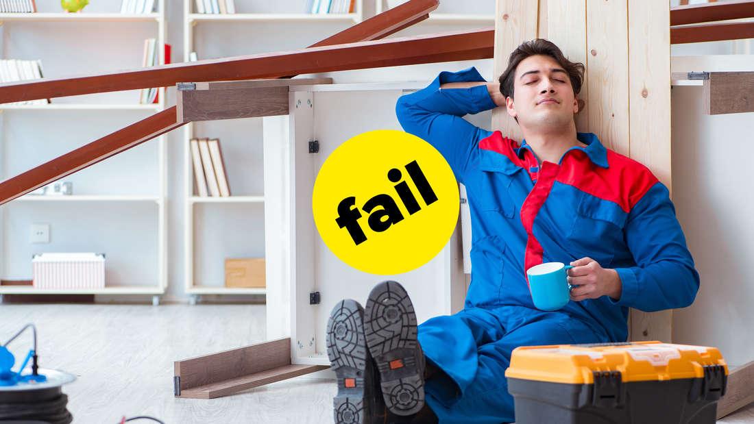 """Ein Mann, der Handwerker-Kleidung anhat und mit einer Tasse gegen ein Holzbrett gelehnt sitzt. Er hat die Augen zu und sieht aus, als würde er schlafen. Um ihn herum ist ein Chaos aus Baumaterialien. In der Mitte ist ein gelber BuzzFeed """"Fail""""-Button."""