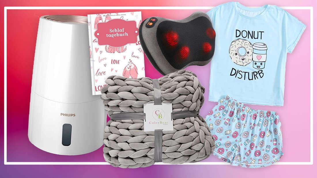 Ein pinker Hintergrund mit verschiedenen Produkten darauf: Ein Pyjama, ein Luftbefeuchter, eine Kuscheldecke, ein Nackenkissen und ein Schlaftagebuch