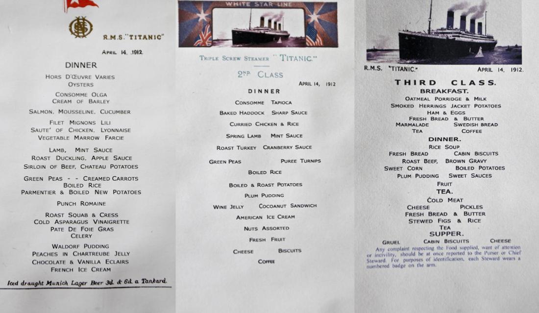 Reproduktion von den Speisekarten der drei Klassen an Board.