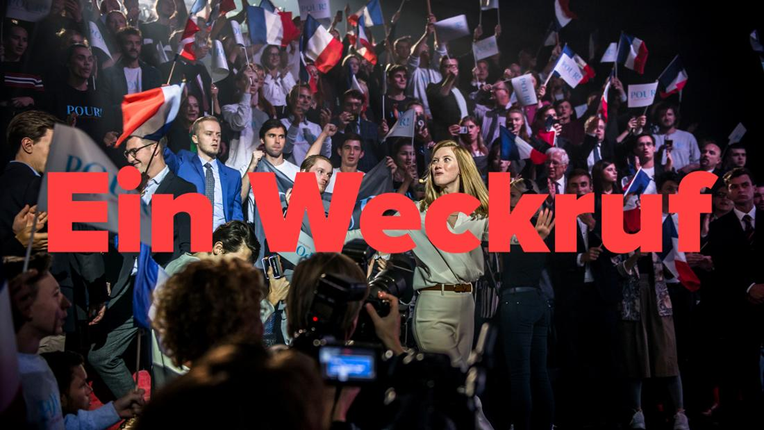 Politikerin Odile Leconte (Fleur Geffrier) lässt sich von ihren Unterstützer:innen feiern. Text: ein Weckruf