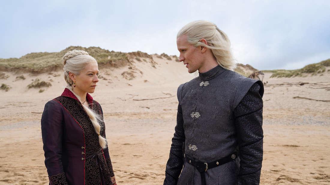 """Matt Smith als Prinz Daemon Targaryen sowie Emma D'Arcy als Rhaenyra Targaryen in """"House of the Dragon""""."""