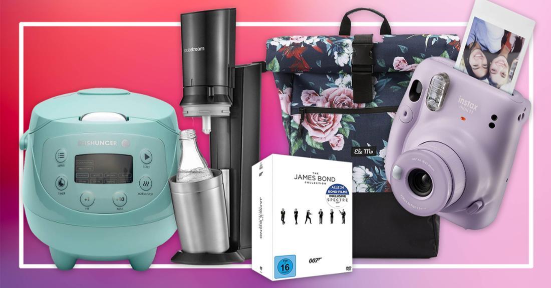 Ein Digitaler Reiskocher, eine Sofortbildkamera, eine James Bond-DVD-Box, ein SodaStream und ein geblümter Rucksack.